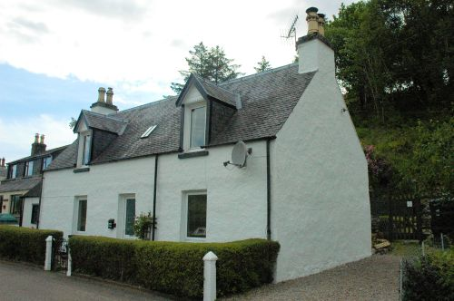 Bruaich Cottage is situated towards the west end of Lochcarron village and enjoys superb views of Loch Carron and the mountains to the south, looking across the water towards Attadale. The property stands on a quiet side road and is approx. 1 mile from the village centre where there are shops, pub and restaurants.