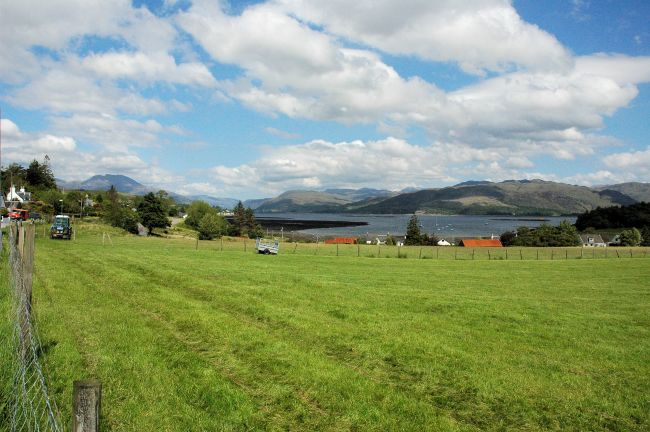 Across the road from Bruaich Cottage is open croft land and a superb view looking down towards Slumbay and Loch Carron. The water's edge is about 5 minutes' easy walk from the cottage.